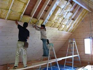 ログハウスの内天井施工
