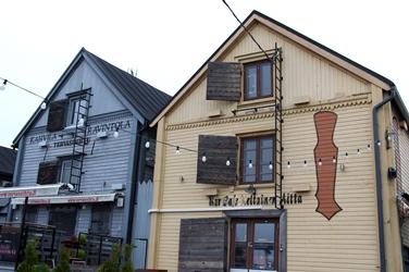 古いログハウス