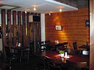 ログ壁の喫茶店2